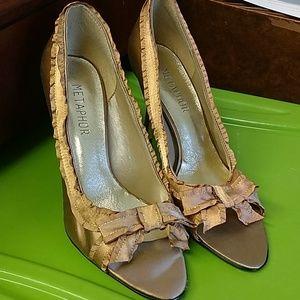 Metaphor gold satin heels size 9